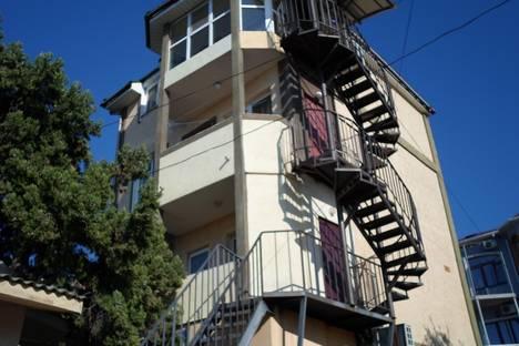 Сдается 2-комнатная квартира посуточно в Гаспре, маратовская 3.