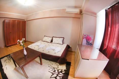 Сдается 1-комнатная квартира посуточно в Алматы, ул. Жамбыла, 93А.