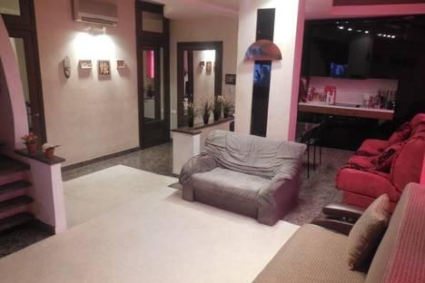 Сдается 3-комнатная квартира посуточно в Кемерове, ул. Терешковой, 22.