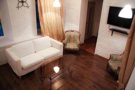 Сдается 3-комнатная квартира посуточнов Санкт-Петербурге, ул. Моховая, 14.