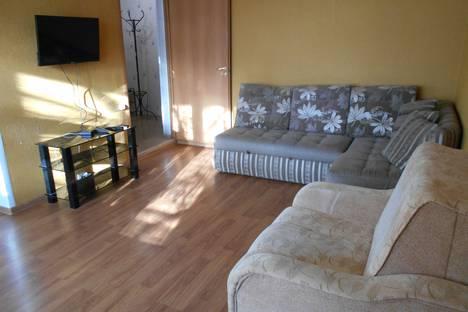 Сдается 2-комнатная квартира посуточно, Смирницкой 39.