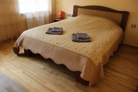 Сдается комната посуточнов Санкт-Петербурге, ул. 4-я Советская, 13.