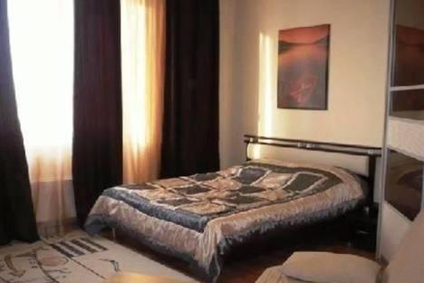 Сдается 1-комнатная квартира посуточно в Волжском, Ленина 134.