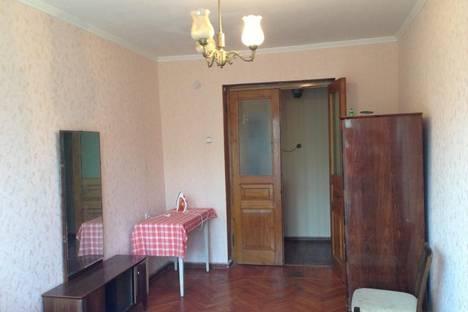 Сдается 3-комнатная квартира посуточнов Гагре, ул. Абазгаа, 65/1.