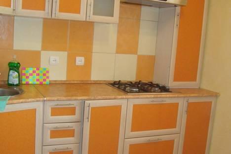 Сдается 3-комнатная квартира посуточно в Орле, ул советская 25.