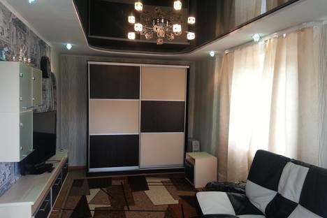 Сдается 1-комнатная квартира посуточно в Златоусте, Островского 13.