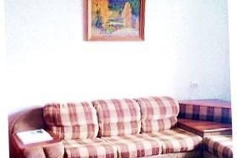Сдается 2-комнатная квартира посуточно в Нижнем Тагиле, Садовая, 97.