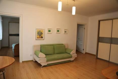 Сдается 3-комнатная квартира посуточно в Тюмени, проезд Геологоразведчиков, 46.