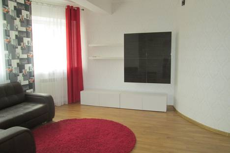Сдается 3-комнатная квартира посуточно в Костроме, Михалевский бульвар, 22.