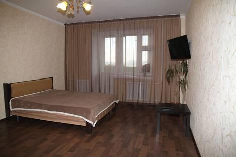 Сдается 1-комнатная квартира посуточно в Набережных Челнах, улица Раскольникова, 32.