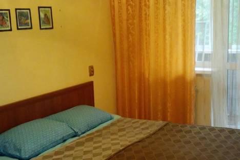 Сдается 2-комнатная квартира посуточно в Комсомольске-на-Амуре, ул. Вокзальная, 37.