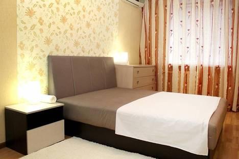 Сдается 2-комнатная квартира посуточно в Волгограде, улица Базарова 4.
