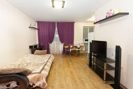 Сдается 2-комнатная квартира посуточно в Новосибирске, ул. Выставочная, 26.