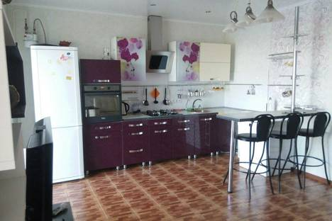 Сдается 2-комнатная квартира посуточно в Энгельсе, Пушкина 3.