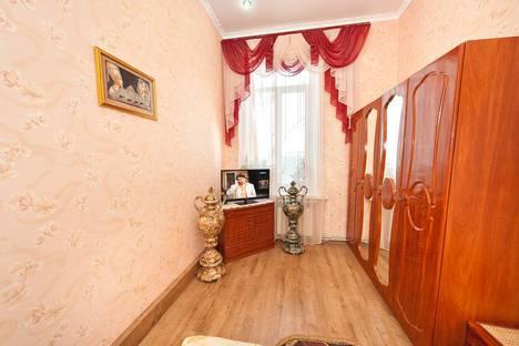 Сдается 2-комнатная квартира посуточнов Приморском, Победы, 12.
