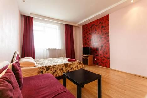 Сдается 1-комнатная квартира посуточно в Тюмени, ул. 50 лет ВЛКСМ, 13к1.