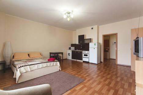 Сдается 1-комнатная квартира посуточно в Тюмени, ул. 50 лет ВЛКСМ, 13 к 1.