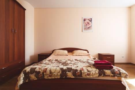 Сдается 2-комнатная квартира посуточно в Тюмени, ул. 50 лет ВЛКСМ, 13/2.