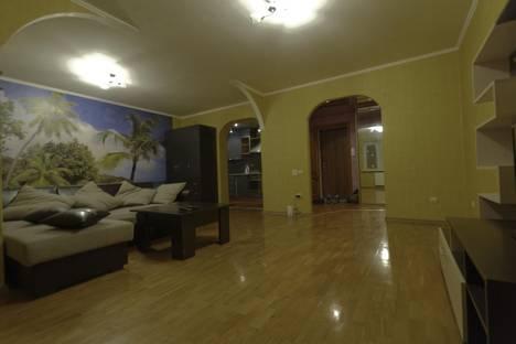 Сдается 2-комнатная квартира посуточно в Казани, проспект Фатыха Амирхана, 21.