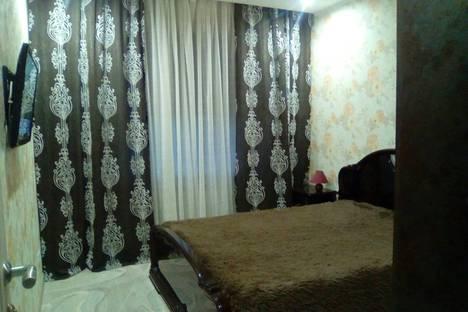 Сдается 2-комнатная квартира посуточно, ул. Григория Кукуевицкого, 12.