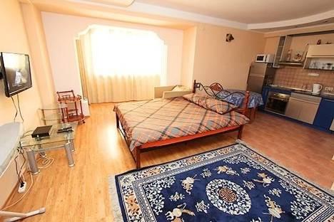 Сдается 1-комнатная квартира посуточно в Алматы, Панфилова 103.
