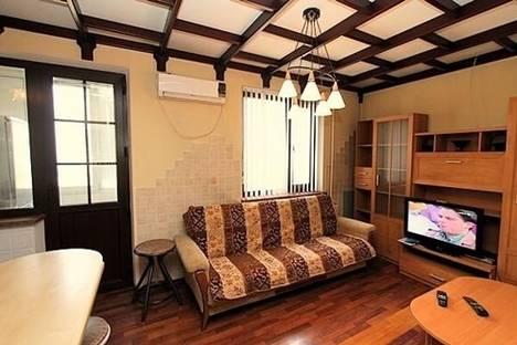 Сдается 3-комнатная квартира посуточно в Алматы, мкр. Самал-2, дом 77.