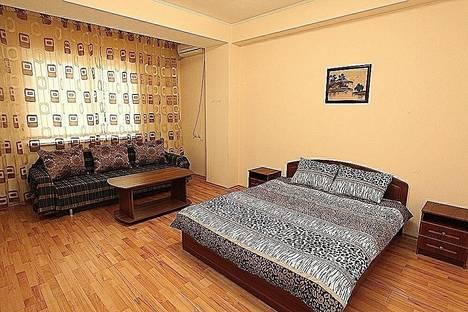 Сдается 1-комнатная квартира посуточно в Алматы, мкр. Керемет, дом 5.