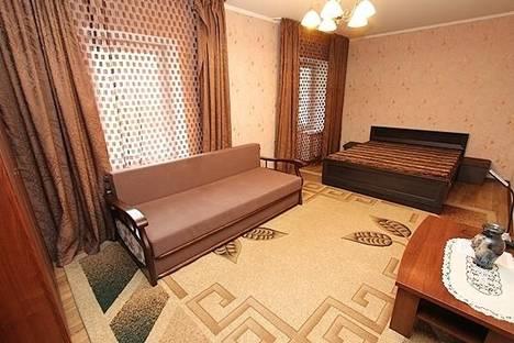 Сдается 1-комнатная квартира посуточно в Алматы, проспект Жибек Жолы, 124.