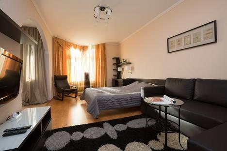 Сдается 1-комнатная квартира посуточно в Екатеринбурге, Бажова 68.