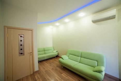 Сдается 2-комнатная квартира посуточнов Сочи, ул. Первомайская, 13.