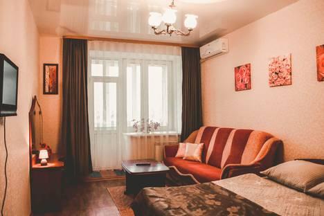Сдается 1-комнатная квартира посуточно в Иванове, ул. Кузнецова, 8.