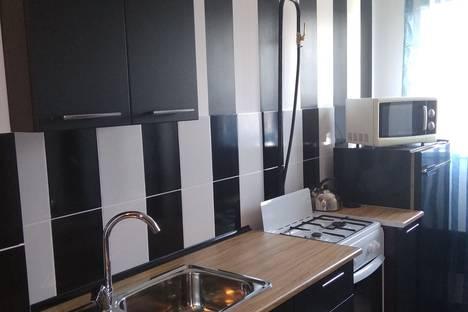 Сдается 2-комнатная квартира посуточно в Нижнем Тагиле, Зари,62.