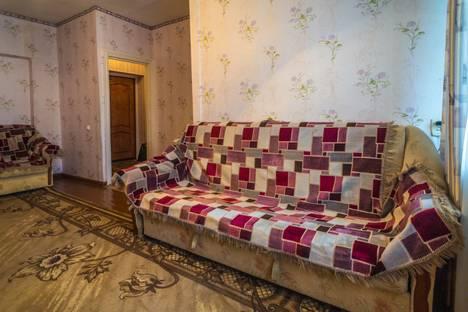 Сдается 1-комнатная квартира посуточнов Перми, ул. Петропавловская, 64.