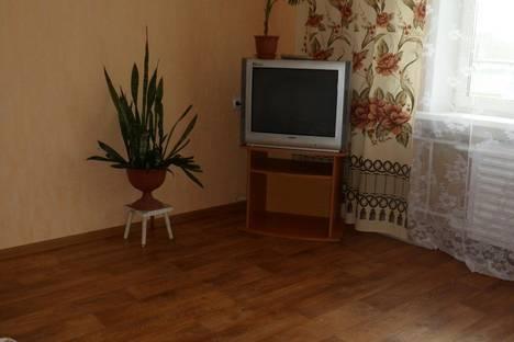 Сдается 2-комнатная квартира посуточнов Усть-Илимске, ул. Проспект Мира, 69.