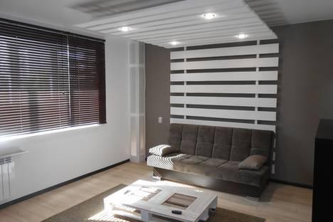 Сдается 3-комнатная квартира посуточно в Нижнем Тагиле, Уральский проспект, 32.