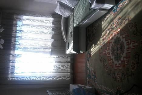 Сдается 2-комнатная квартира посуточнов Кызыле, Титова, 33.