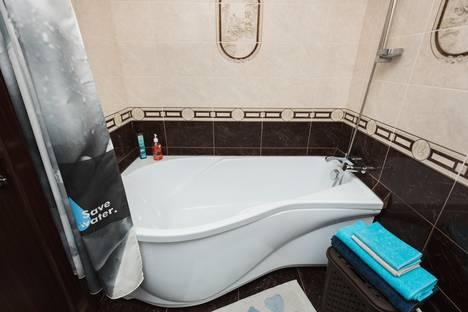 Сдается 2-комнатная квартира посуточно, проспект Космонавтов, 32.