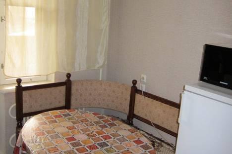 Сдается 2-комнатная квартира посуточно в Астрахани, проезд Н. Островского, д.4, к.3.