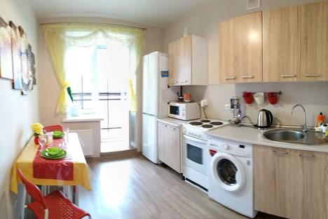 Сдается 1-комнатная квартира посуточно, ул. Рауиса Гареева, 94.