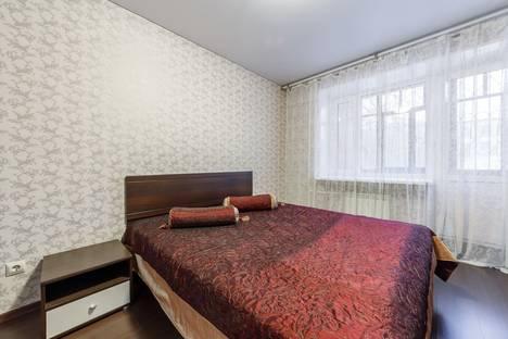 Сдается 2-комнатная квартира посуточнов Екатеринбурге, ул. Мамина-Сибиряка, 137.