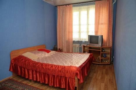 Сдается 3-комнатная квартира посуточно, пл.Дзержинского ,11б.