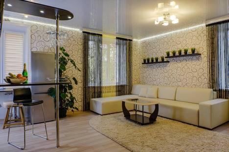 Сдается 1-комнатная квартира посуточно в Первоуральске, ул. Чкалова, 45а.