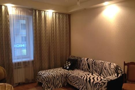 Сдается 2-комнатная квартира посуточно в Ульяновске, Карла Маркса 33/2.