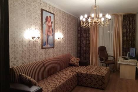 Сдается 2-комнатная квартира посуточно в Ельце, ул. Коммунаров, 127 г.