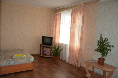 Сдается 1-комнатная квартира посуточнов Черногорске, ул. Трудовая, 73Б.