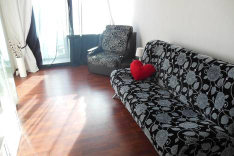 Сдается 1-комнатная квартира посуточно в Новосибирске, ул. Октябрьская, 10.