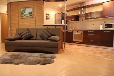 Сдается 2-комнатная квартира посуточно во Владивостоке, Океанский проспект, 90.