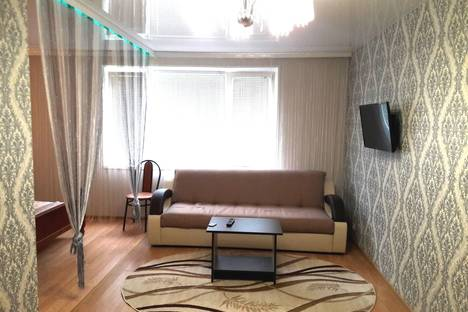 Сдается 2-комнатная квартира посуточнов Лиде, Космонавтов 12/1/38..