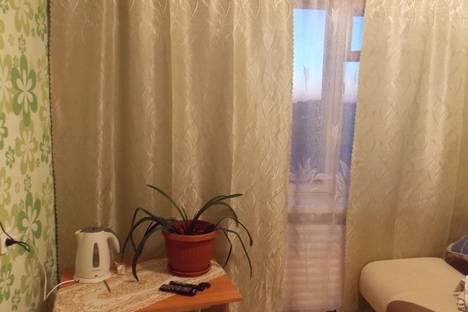 Сдается комната посуточнов Братске, Комсомольская, 79.
