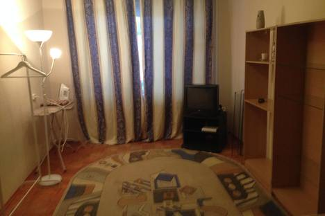 Сдается 1-комнатная квартира посуточно в Кургане, Яблочкина д.6.